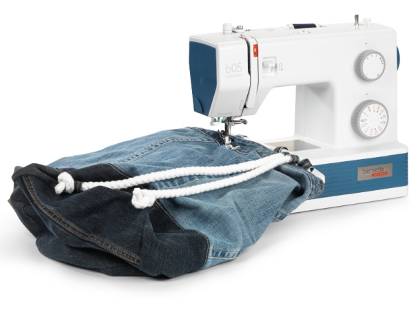 Maszyna do szycia Heavy Duty BERNINA B05 ACADEMY